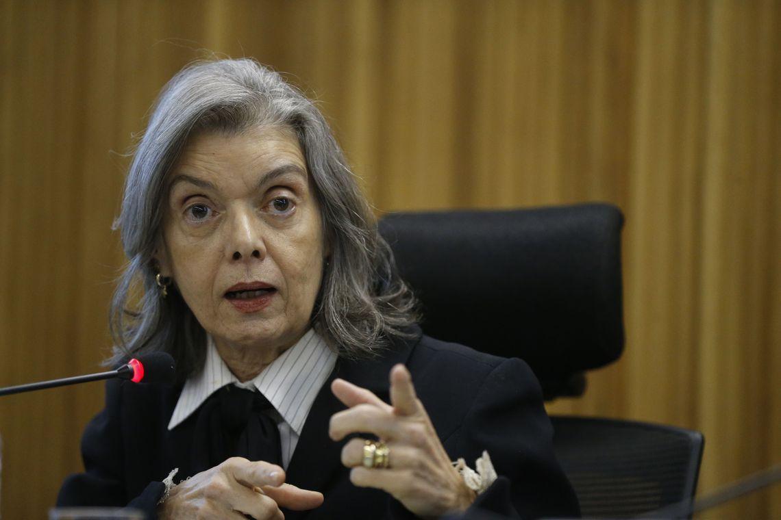 Cármen Lúcia dá prazo de 48 horas para Banco Central justificar nota de R$ 200