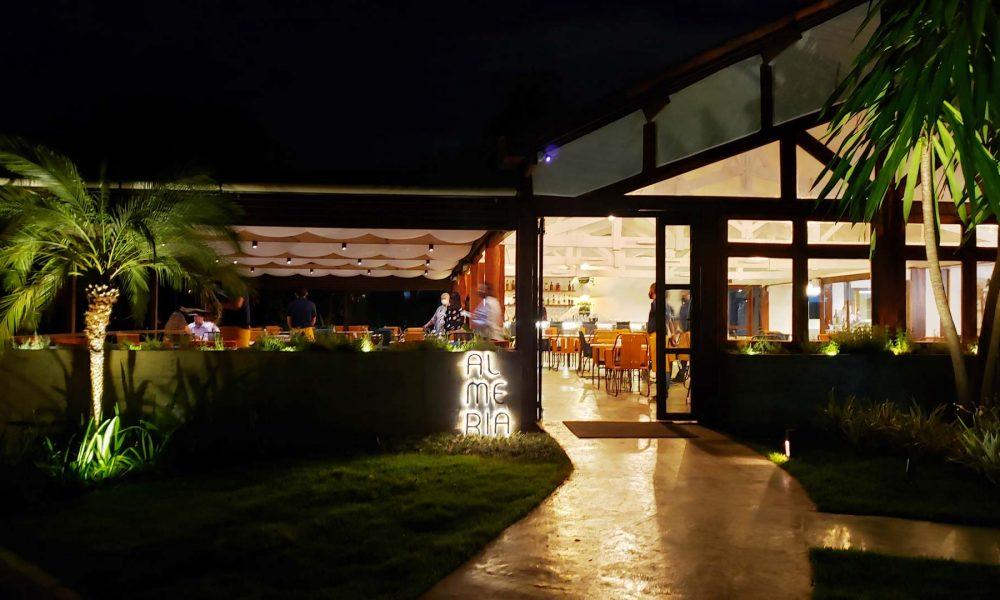 Fachada restaurante Almeria