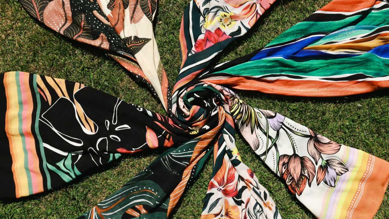 Gabriella Laruccia cria coleção de lenços que serão doados para pacientes com câncer