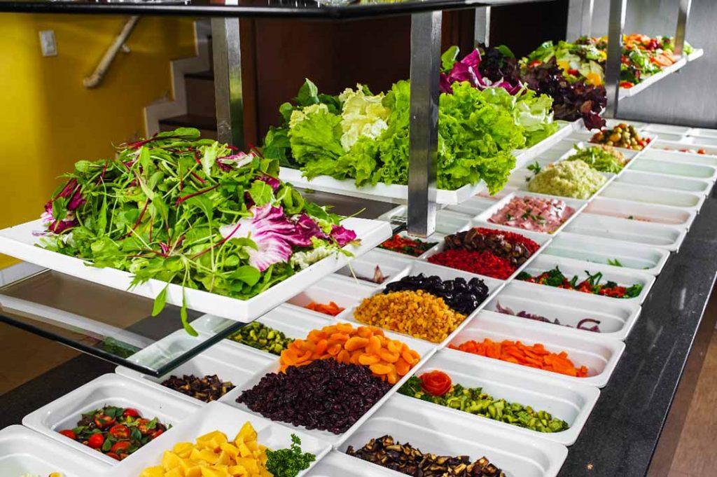 Buffet de saladas. Foto: Victor Rocha