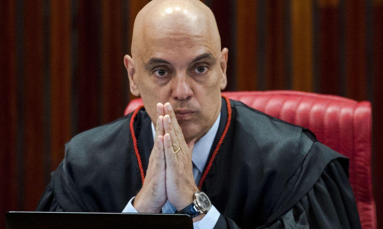 Alexandre de Moraes trabalhou para unir partidos contra voto impresso, diz  site