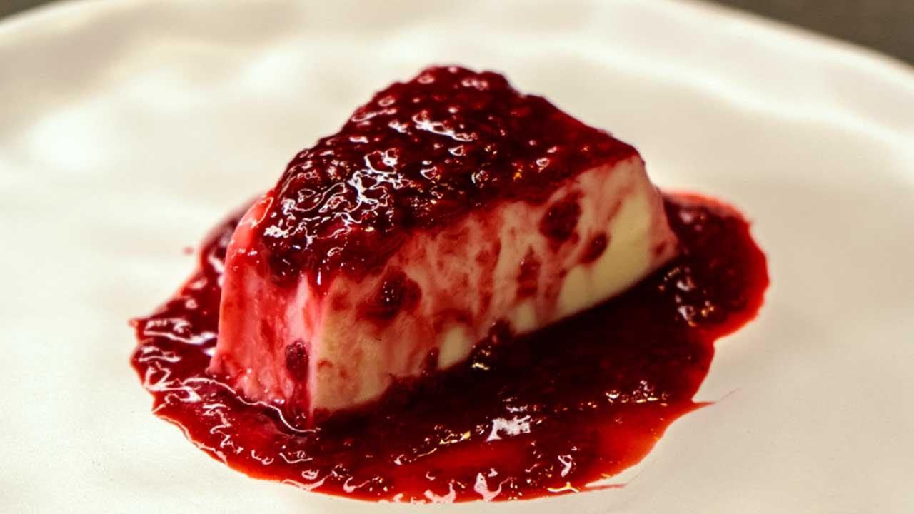 Receita para Dia das Mães: Glauber Britto ensina a preparar pudim de frutas vermelhas