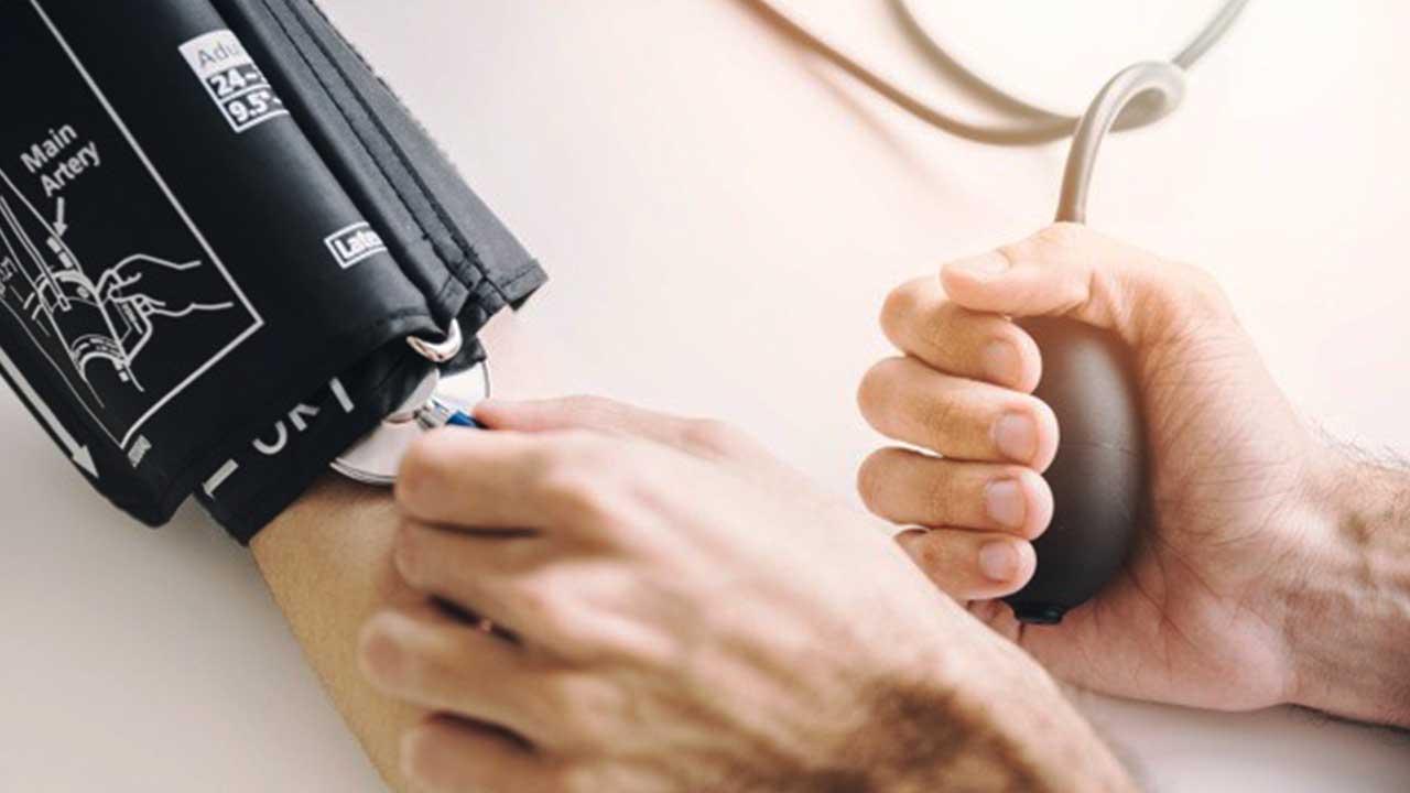 No Dia Mundial da Hipertensão, médica alerta para riscos da doença