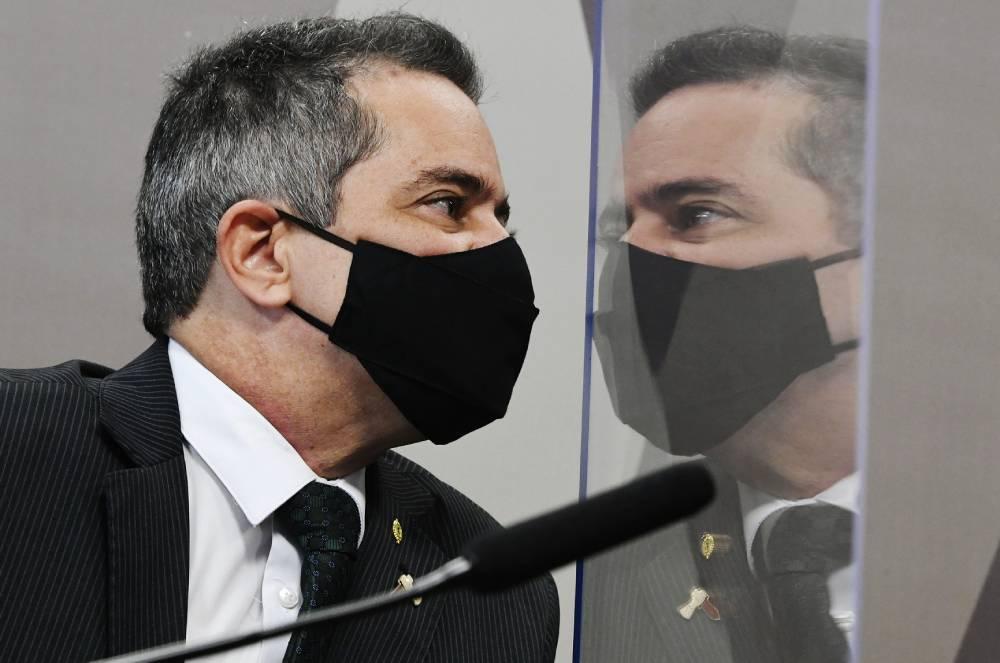 Élcio Franco na CPI