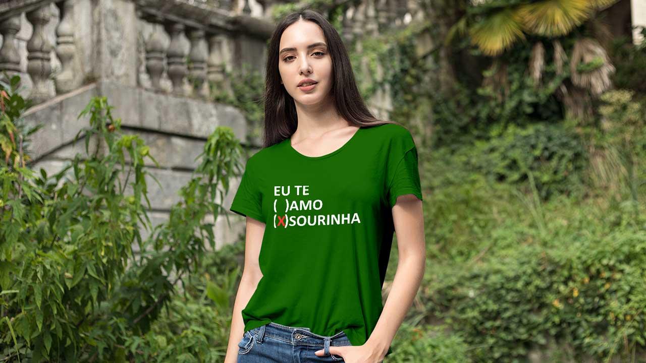 Camisetas misturam universo geek, referências da capital, bom humor e criatividade