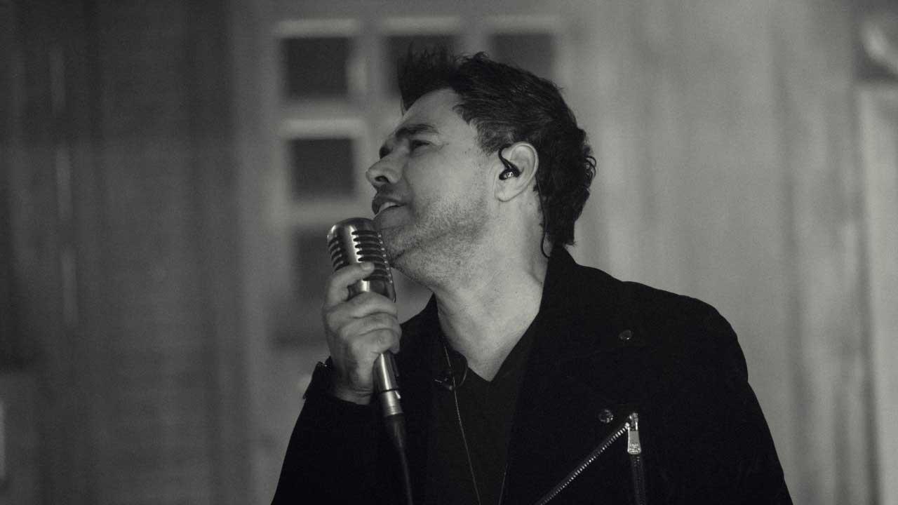 Zezé Di Camargo grava EP solo em Goiânia
