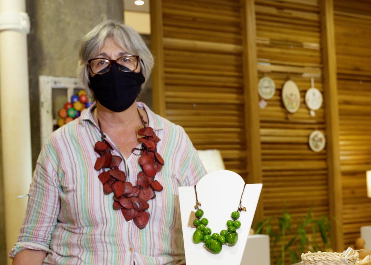 A artesã Selma di Sessa é uma das expositoras da Loja do Artesanato no Pátio Brasil Shopping. Foto: Cláudio Gerber/Setur-DF