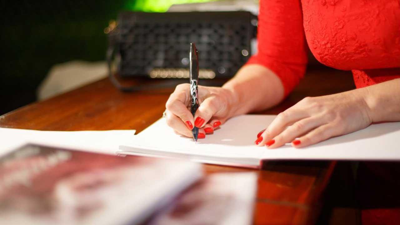 Escritoras recebem convidados em noite de autógrafo no Southside