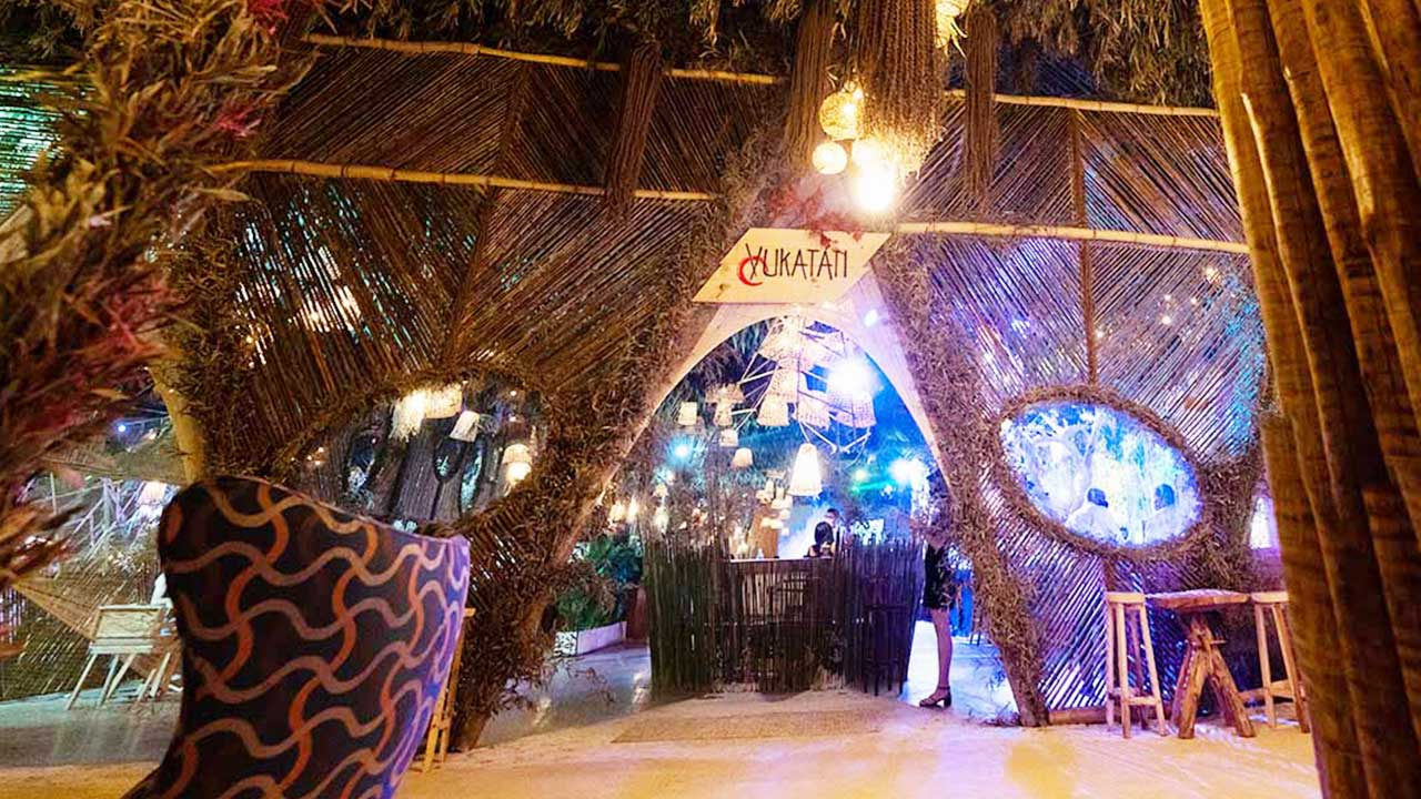 Yukatán, restaurante asiático comandado pelos chefs Francisco Assis e Juliano Guinoza, abre para o público na Casa MAAYA