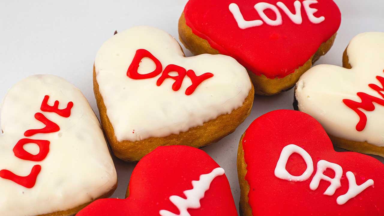 Dunkin' realiza neste sábado, 25, a campanha Dunkin' Love Day, para arrecadar recursos para a ABRACE e a OVG