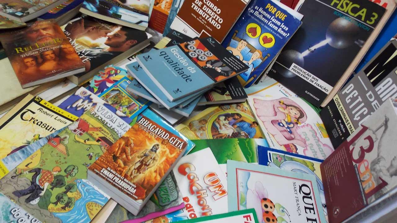 Boulevard Shopping Brasília doa 1500 livros para crianças carentes