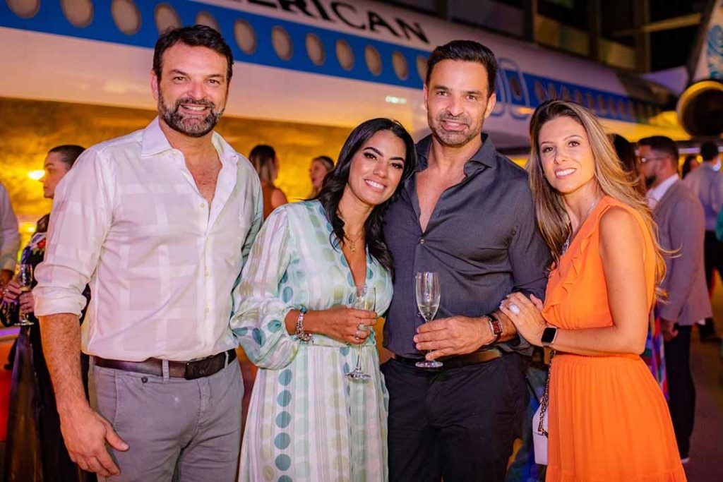 Marcos Azevedo, Tatiane Freitas, Ricardo Azevedo e Carol Pereira - Lançamento Surreal. Foto: Hugo Barreto