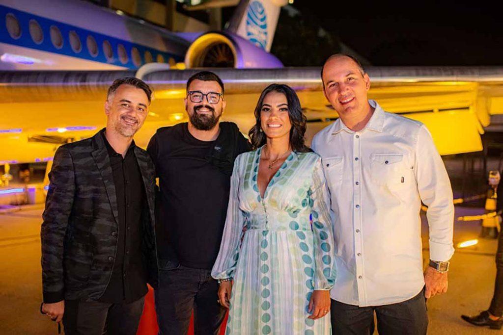 Renan e Renato Sousa, Tatiane Freitas e Denis Muniz de Carvalho - Lançamento Surreal. Foto: Hugo Barreto