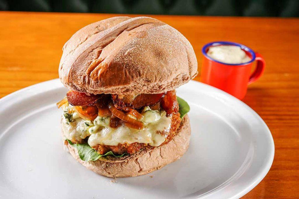 Cumarim Steaks & Burgers - Blue Burguer. Foto: Agência Extrema