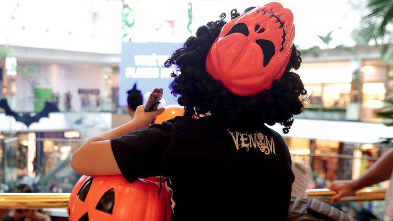 Halloween com travessuras e gostosuras no Parkshopping